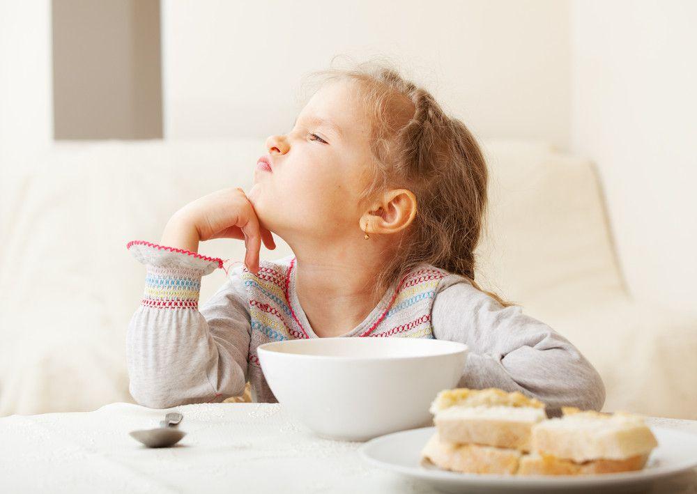 Forçar criança a comer leva a obesidade